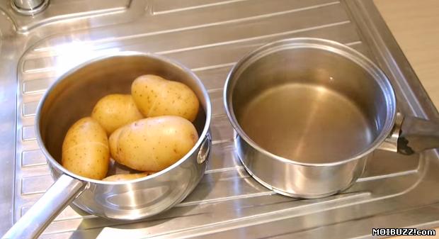 Как чистить варенную картошку